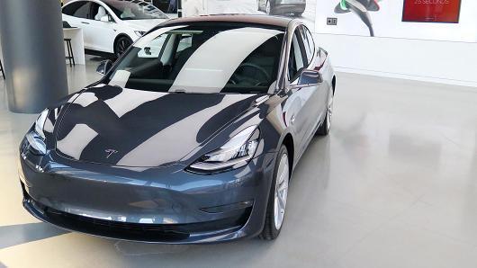 特斯拉高管急了 要求Model 3日产量300辆以上