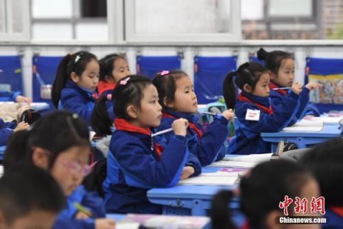 """近七成培训机构处""""灰色""""地带 考试招生制度亟需变革"""
