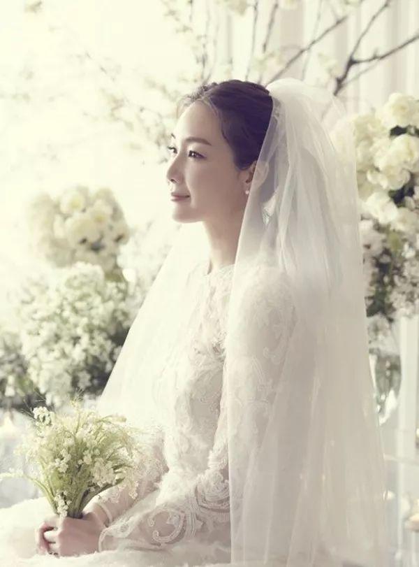 42岁崔智友闪婚?颜值崩坏的她又美回来了…