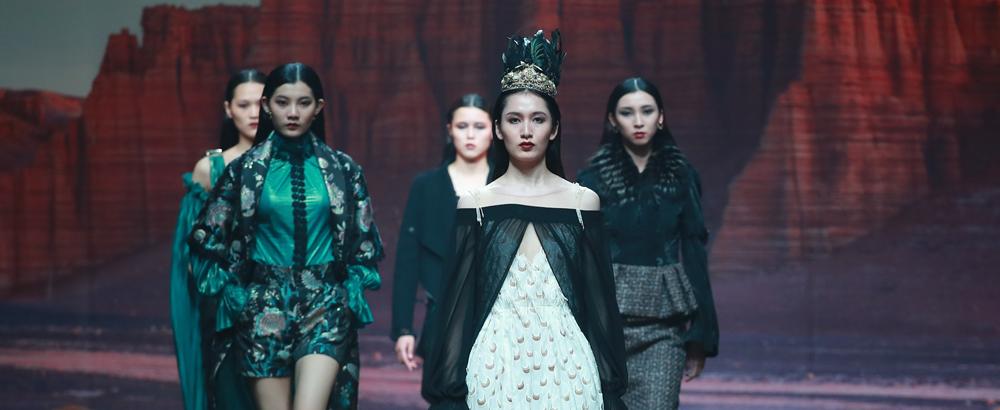 J.Queen2018秋冬高级时装发布会《丝路·蝶舞》压轴中国国际时装周