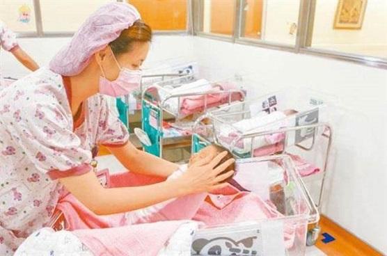 台湾生育率惨居全球倒数 民调显示钱不够是主因