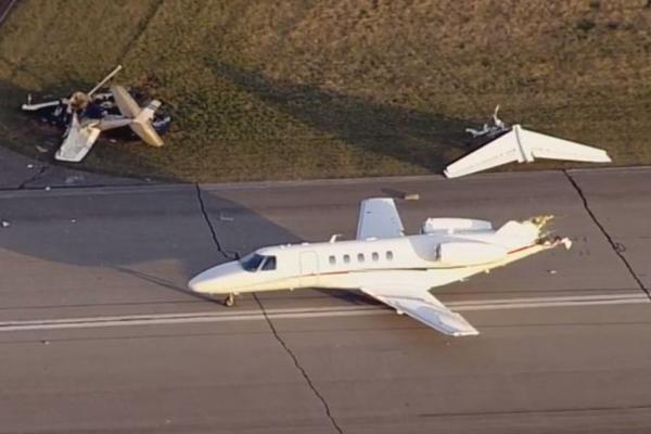 美国印第安纳州一机场内两架飞机相撞 至少两人死