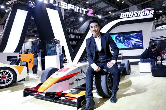 陈乐基跨界变身赛车手 亮相苏州国际改装风尚秀