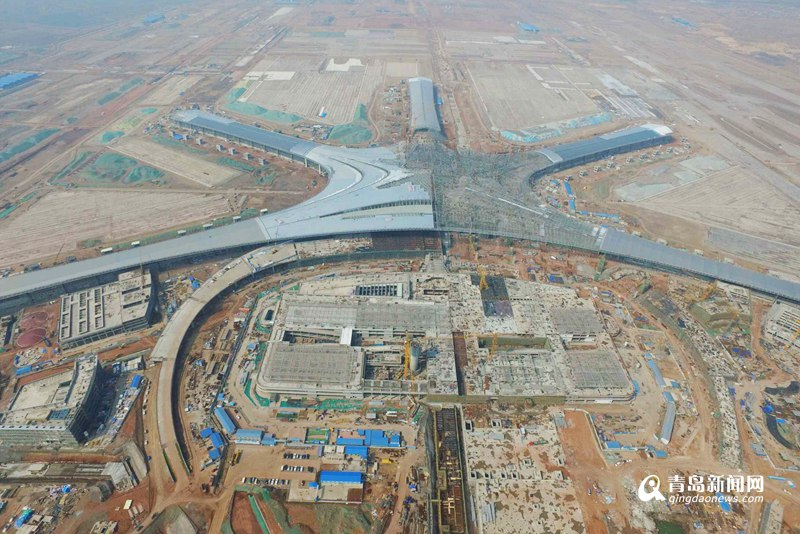 青岛新机场最新航拍图:海星筋骨渐长成 贵宾楼主楼已封顶