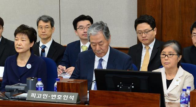 朴槿惠律师不满宣判被直播:这是给她烙上罪名!