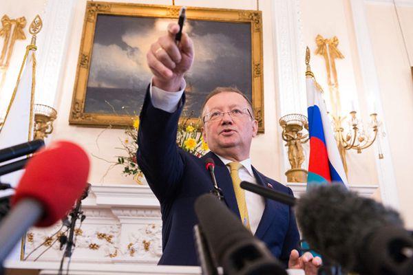 俄罗斯大使强烈要求英方公布间谍中毒调查信息