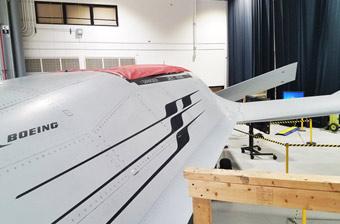 波音MQ-25无人机曝细节照 进气道原来在这