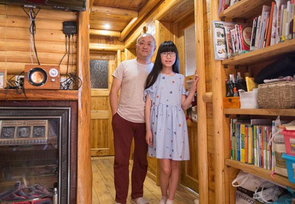 别人家的老爸!男子花2年为女儿打造梦想木屋