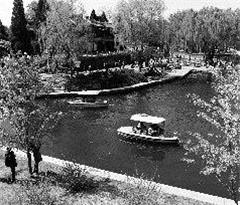 北京市属公园将迎盛花期 陶然亭高石墓成新热点