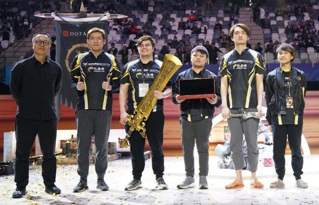 鏖战五局 DOTA2亚洲邀请赛中国队憾负获得亚军