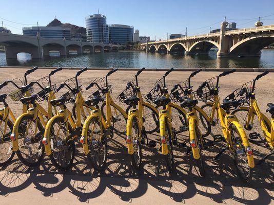 外国网友:共享单车不是垃圾 只是自行车而已