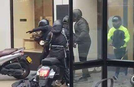 英暴徒洗劫伦敦名表店 抢走大量高档手表
