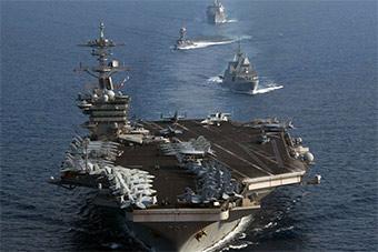 美军罗斯福号航母带上小兄弟在南海演习