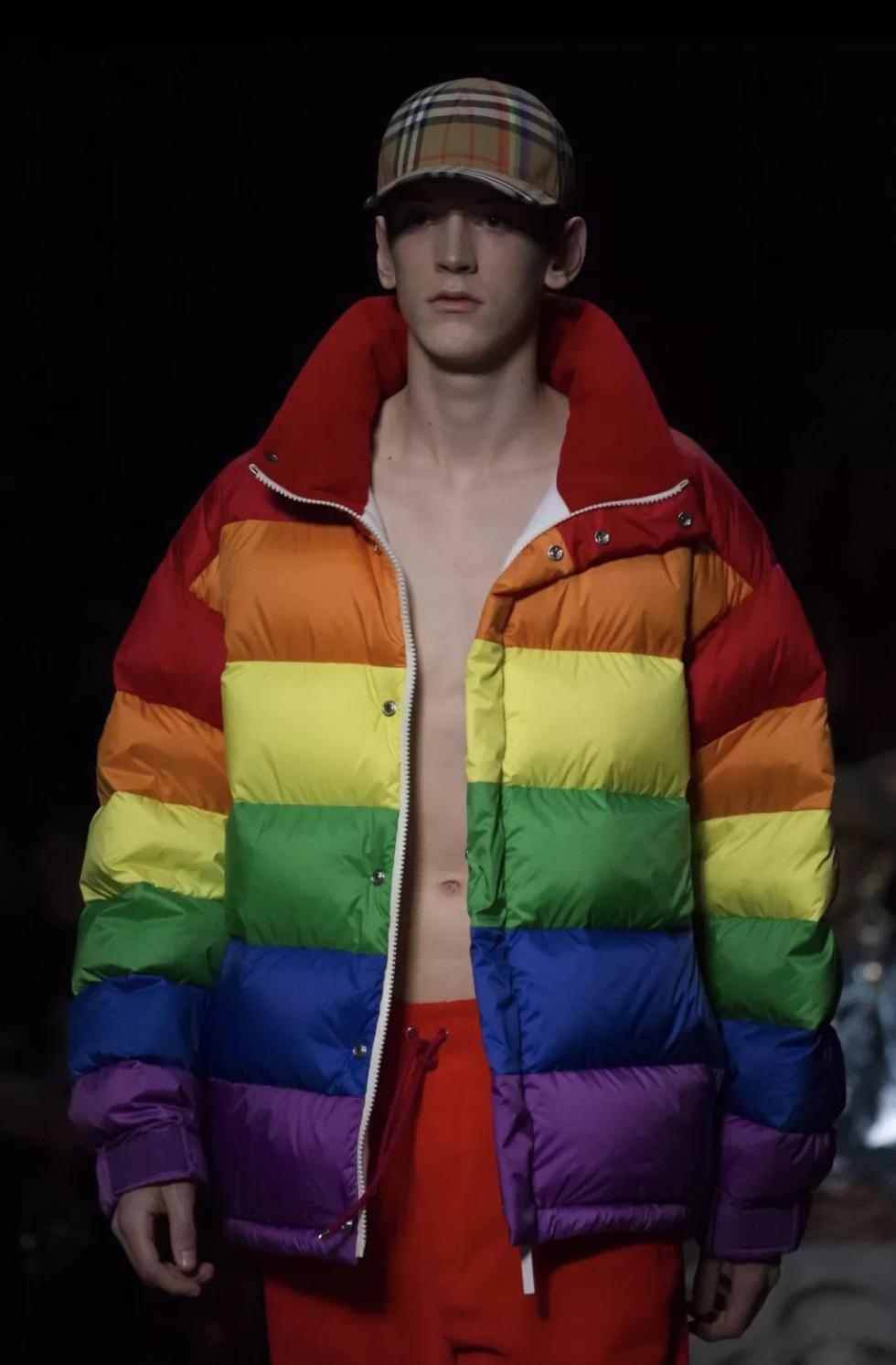 今年流行的彩虹元素 从这些单品入手......