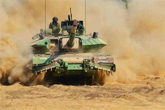 印度自豪展示阿琼MKII坦克称其为沙漠法拉利