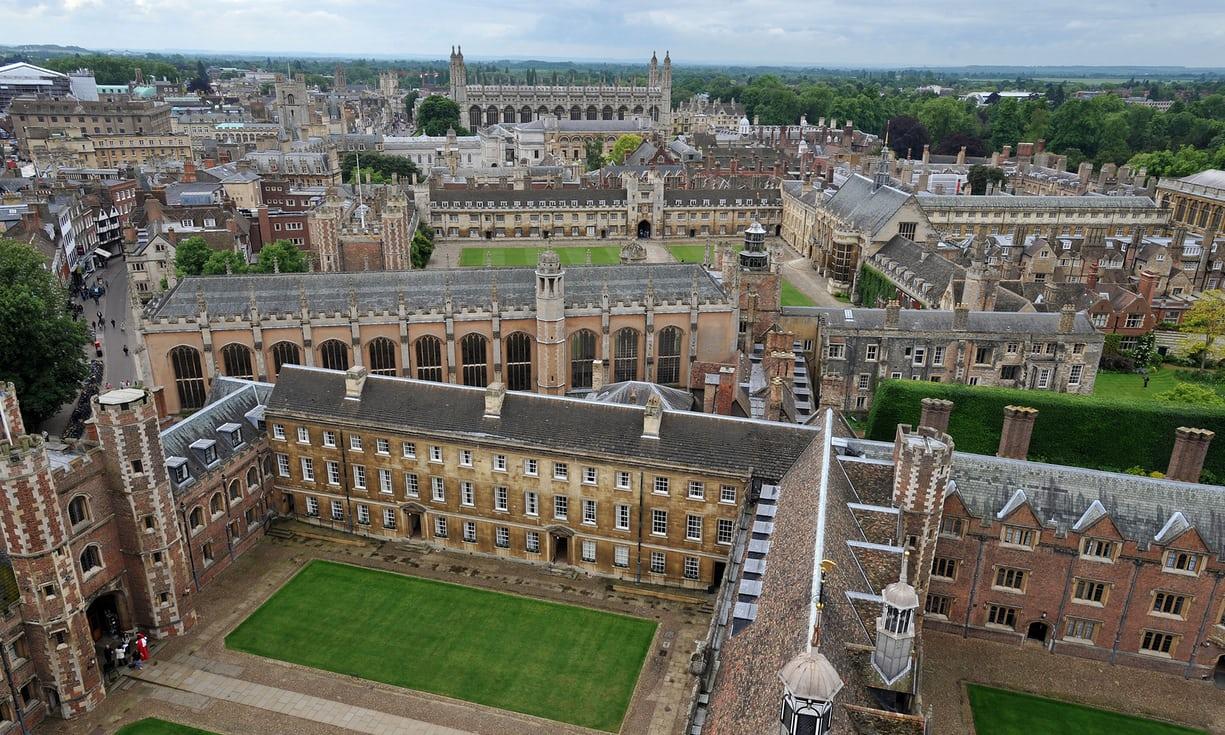 """英国大学""""公平榜""""出炉:赫尔大学居首,剑桥大学垫底"""