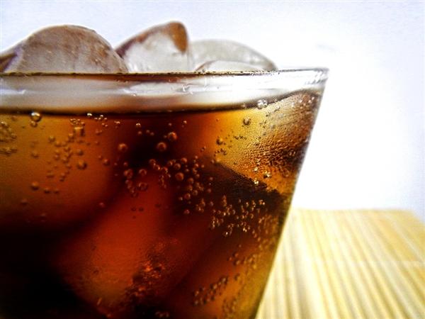 可口可乐日本推新饮料:加入酒精的可乐
