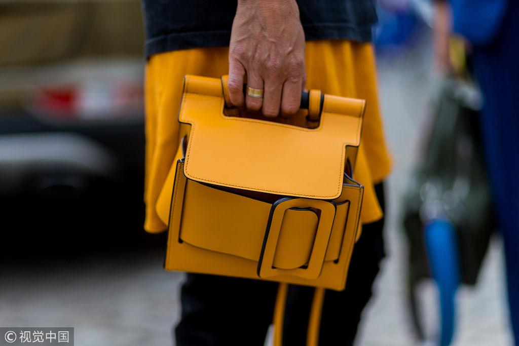 时装编辑为何都爱小众品牌方扣包?谁说贵的就最好!