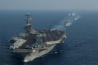美航母与新加坡隐身护卫舰南海联合演习