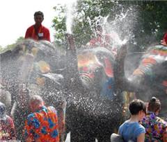 保障宋干节游客安全 泰国吁游乐园严检娱乐设施