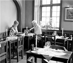 """金和平:瑞典文艺精英的""""食堂"""""""