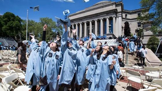 美媒:中国留学生成为美国校园商圈主力财源