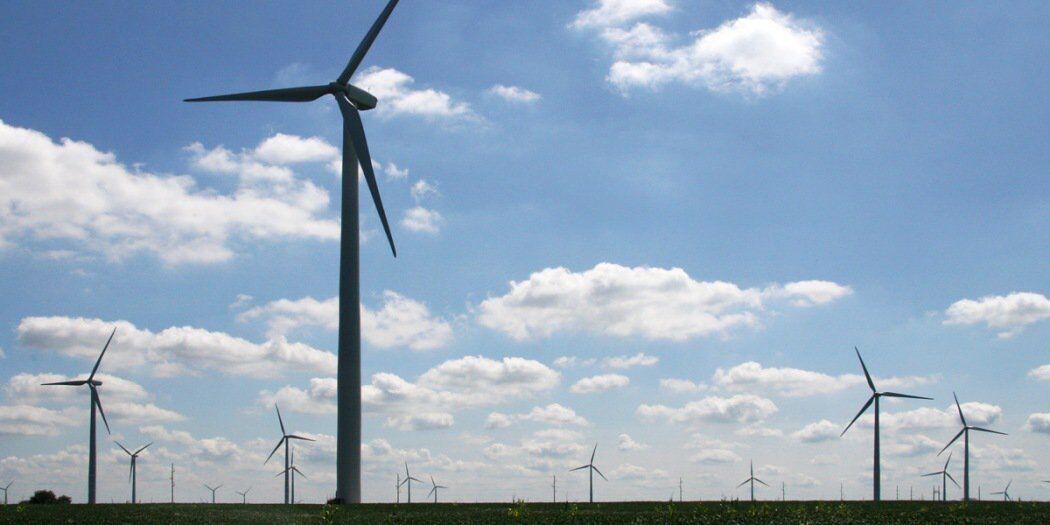 特斯拉与英国石油公司合作 建立风电储能系统