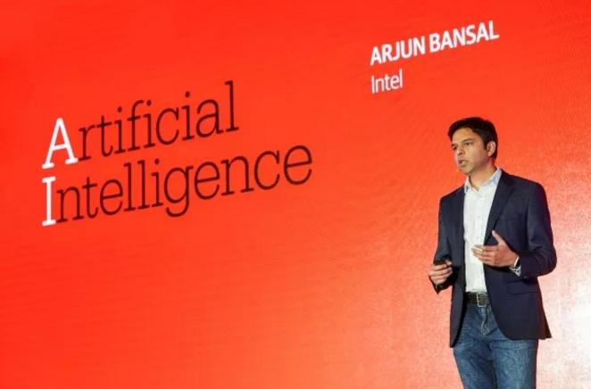 立足解决实际问题 英特尔简化与加速人工智能部署