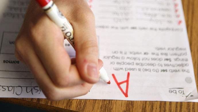 我国首个英语能力测评标准发布:不是对学生强制性要求