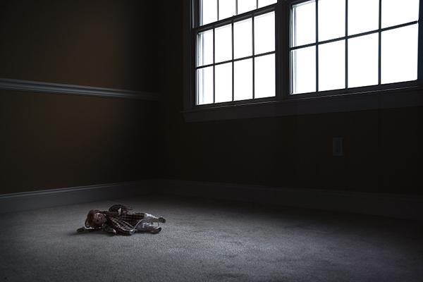 13岁女孩遭性侵产子:想重新上学 父母盼严惩凶手