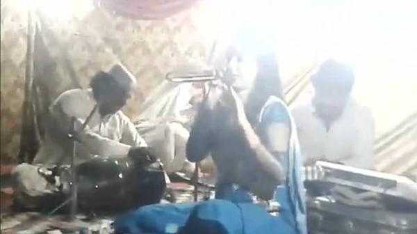 巴基斯坦一怀孕女歌手因拒绝跳舞惨遭醉汉枪杀