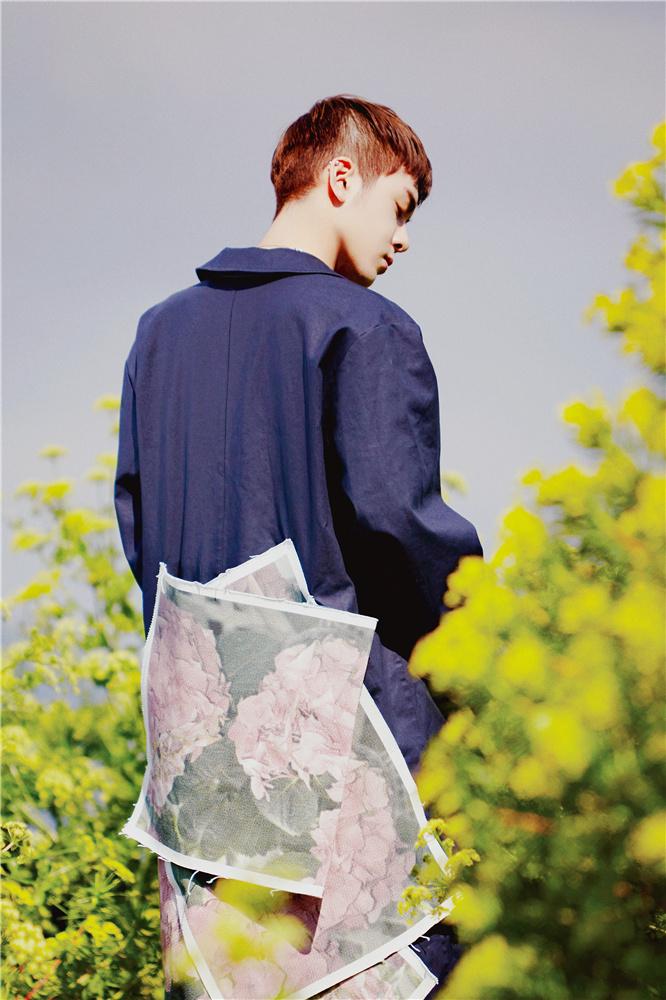 曾舜晞时尚写真曝光  化身摩纳哥古堡少年