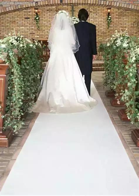 女友甩出45万婚礼清单让男生崩溃 网友却说没毛病