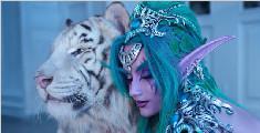 俄罗斯姑娘cos《魔兽世界》泰兰德·语风,现场拍摄竟用真老虎!