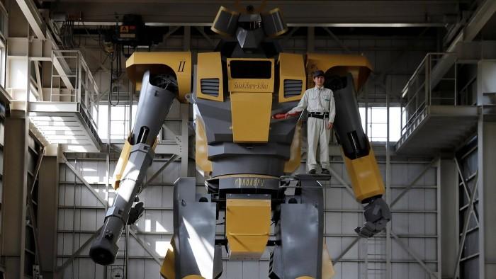 日本工程师制造出28英尺高的巨型机器人