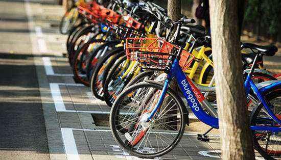 """杭州共享单车进入""""瘦身模式""""  共享经济出路何在"""
