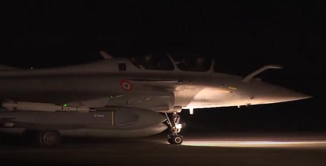 视频|法国政府推特上公开战机起飞视频