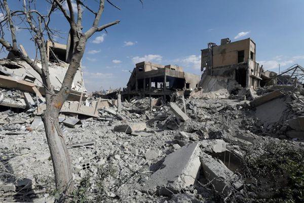 叙利亚遭空袭后现场图曝光 研究中心成废墟