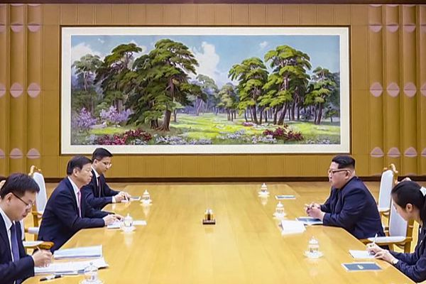 金正恩会见中联部部长、中国艺术团团长宋涛