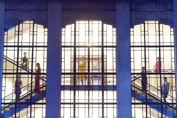 南京复古旗袍秀亮相百年老建筑