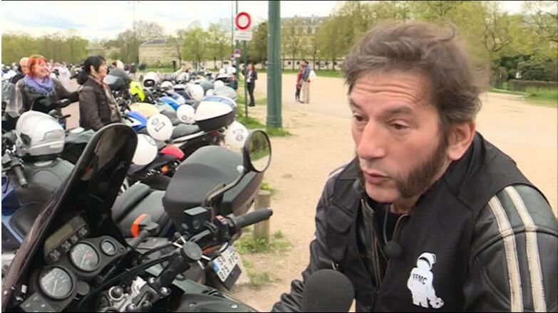 法国数百名摩托车骑手示威 抗议80公里限速新规