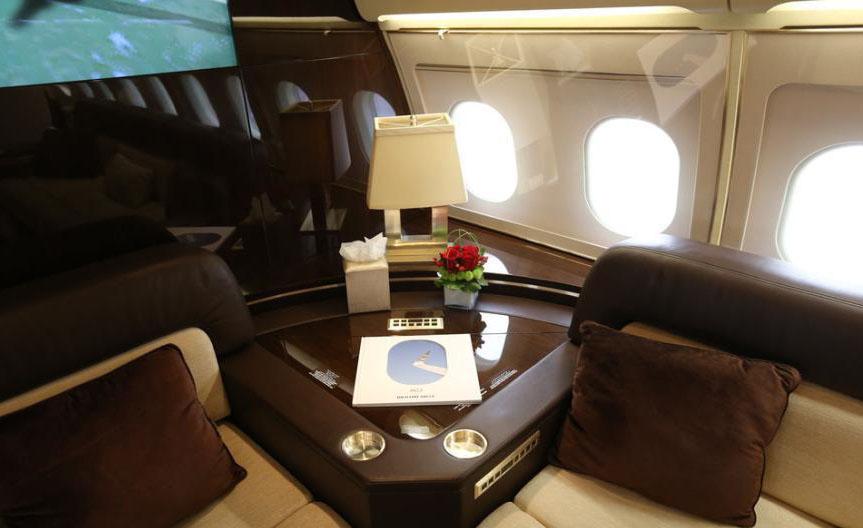 亚洲最大公务航空展上海举行 公务机机舱内饰豪华
