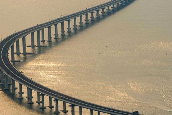 远眺港珠澳大桥雄姿 风景美如画