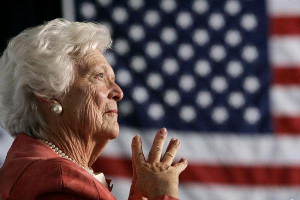 美国前第一夫人芭芭拉去世 享年92岁