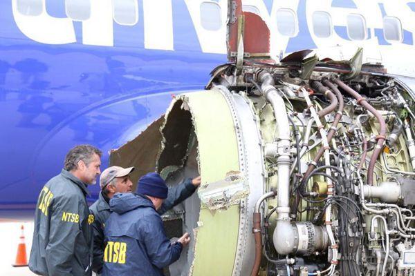 美国西南航空一客机引擎爆炸后迫降 致一人死亡