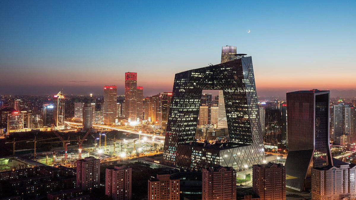 暖!北京今天气温将攀升至27℃ 有轻到中度霾