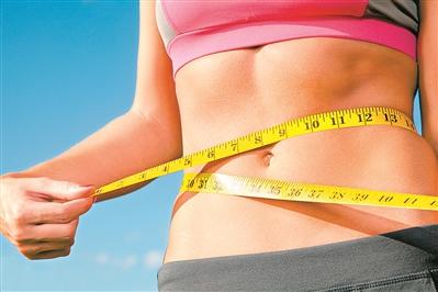 """女子吃""""排毒减肥""""产品减肥结果肠子变黑了"""