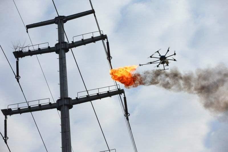激光炮、喷火无人机解决掉电线上的风筝
