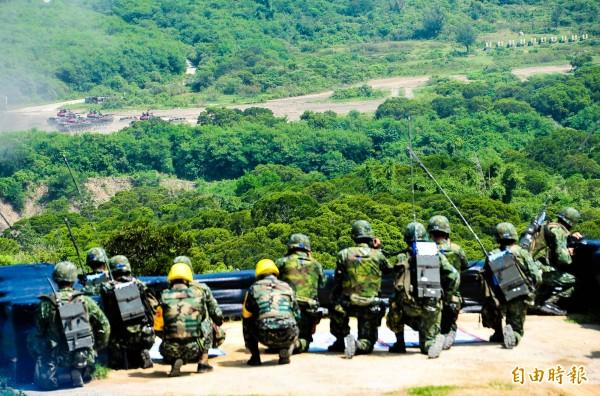 """67.7%民众愿为""""保卫台湾而战""""?这是绿营民调机构的自导自演吧!"""