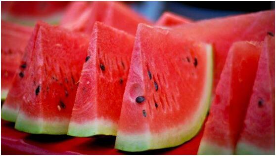 """被称为""""夏季完美水果"""" 西瓜的八大m88明升益处"""